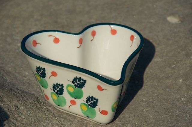 Deep Sided Heart Shaped Bowl 772