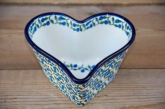 Deep Sided Heart Shaped Bowl 774