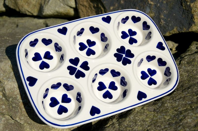 Polish Pottery Blue Hearts Yorkshire Pudding Dish