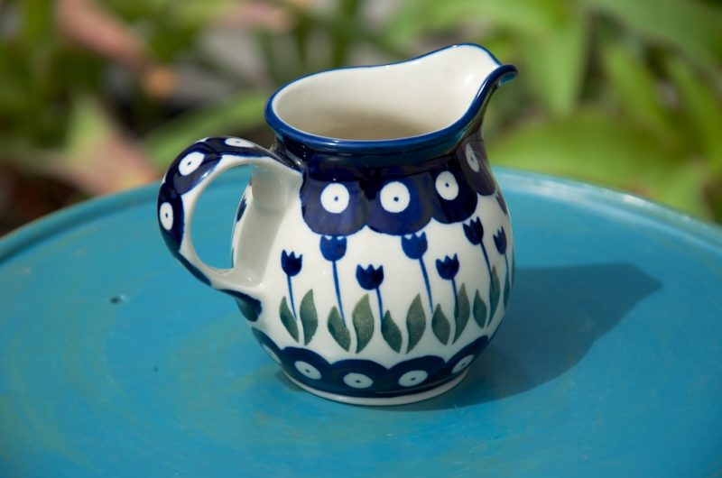 polish pottery flower spot creamer