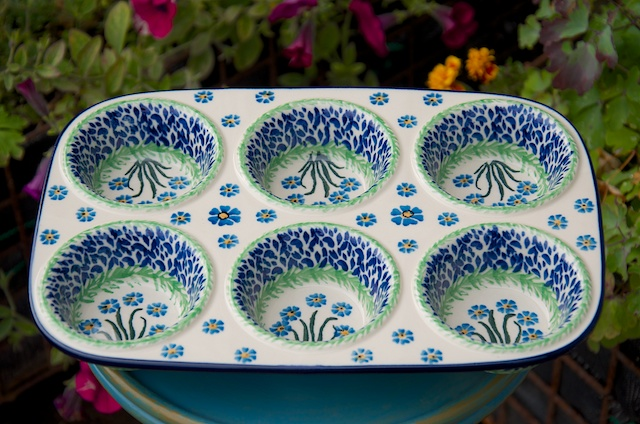 Polish Pottery Forget Me Not Yorkshire Pudding Dish