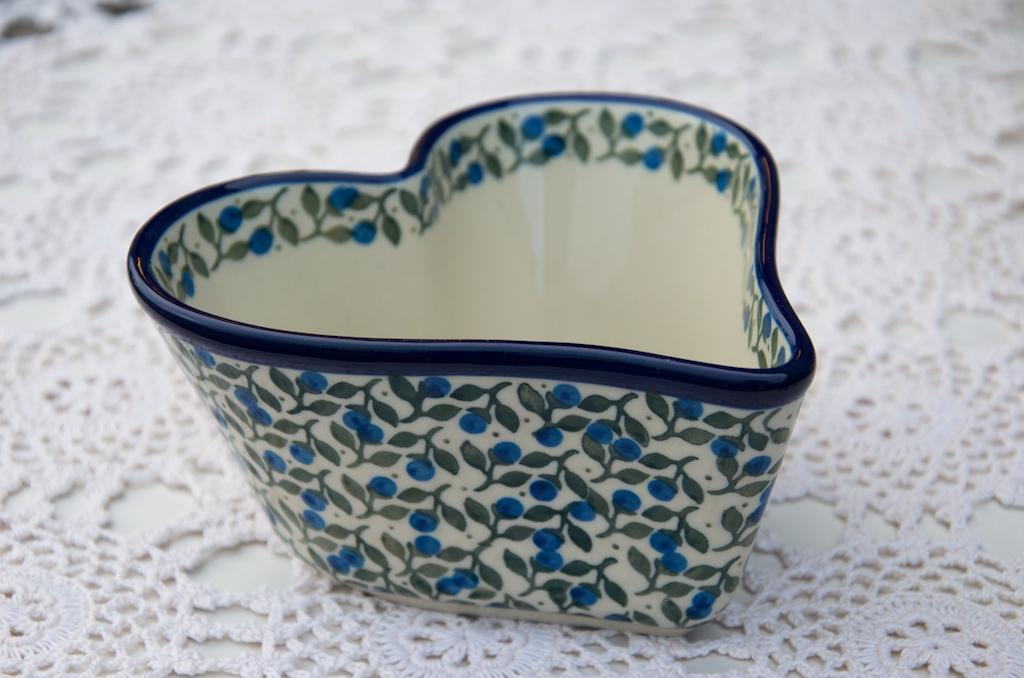 Polish Pottery Blueberry Leaf Small Heart Shaped Dish