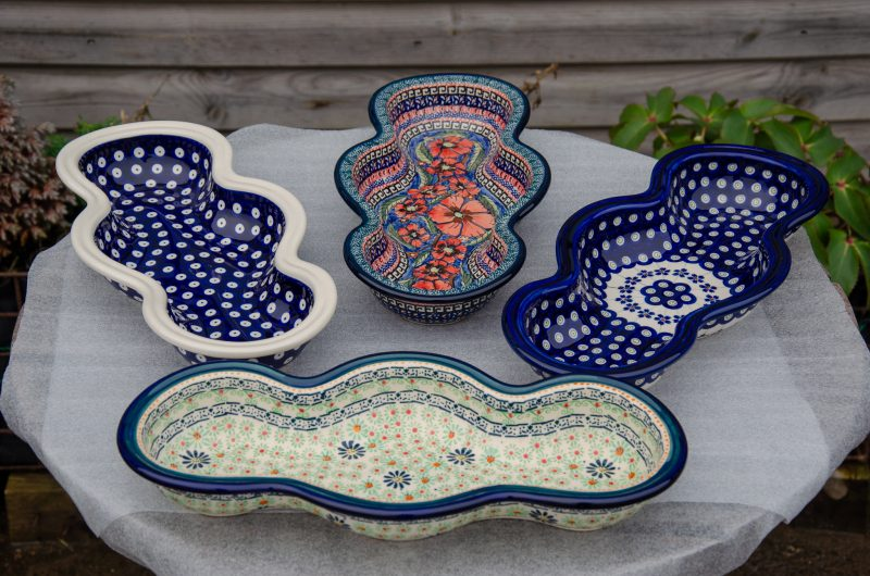 Wavy Shaped Dishes