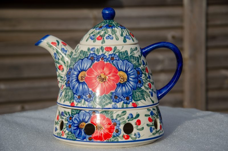 Polish Pottery Andy Cone Shaped Teapot and Warmer in Red and Blue Flower Design.