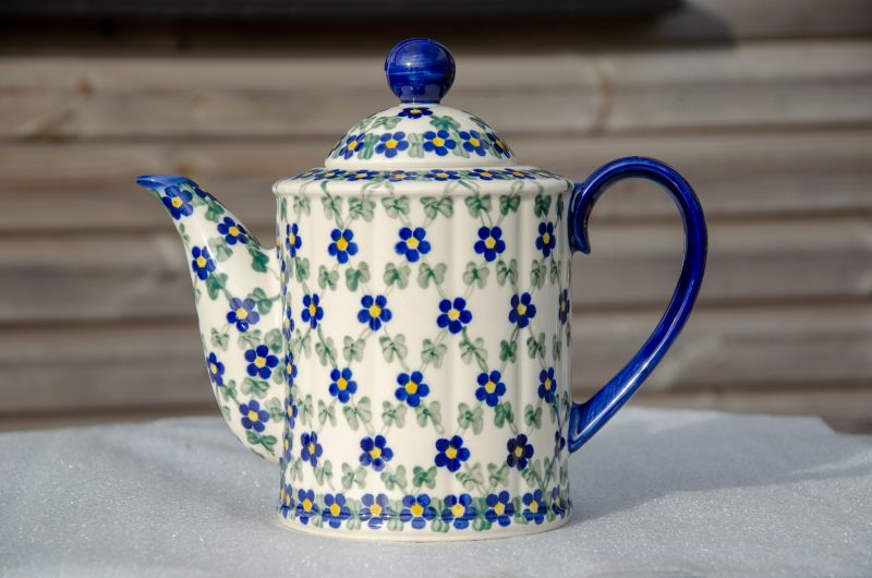 Andy Cylinder Shaped Teapot decorated in Flower Trellis Unikat design.