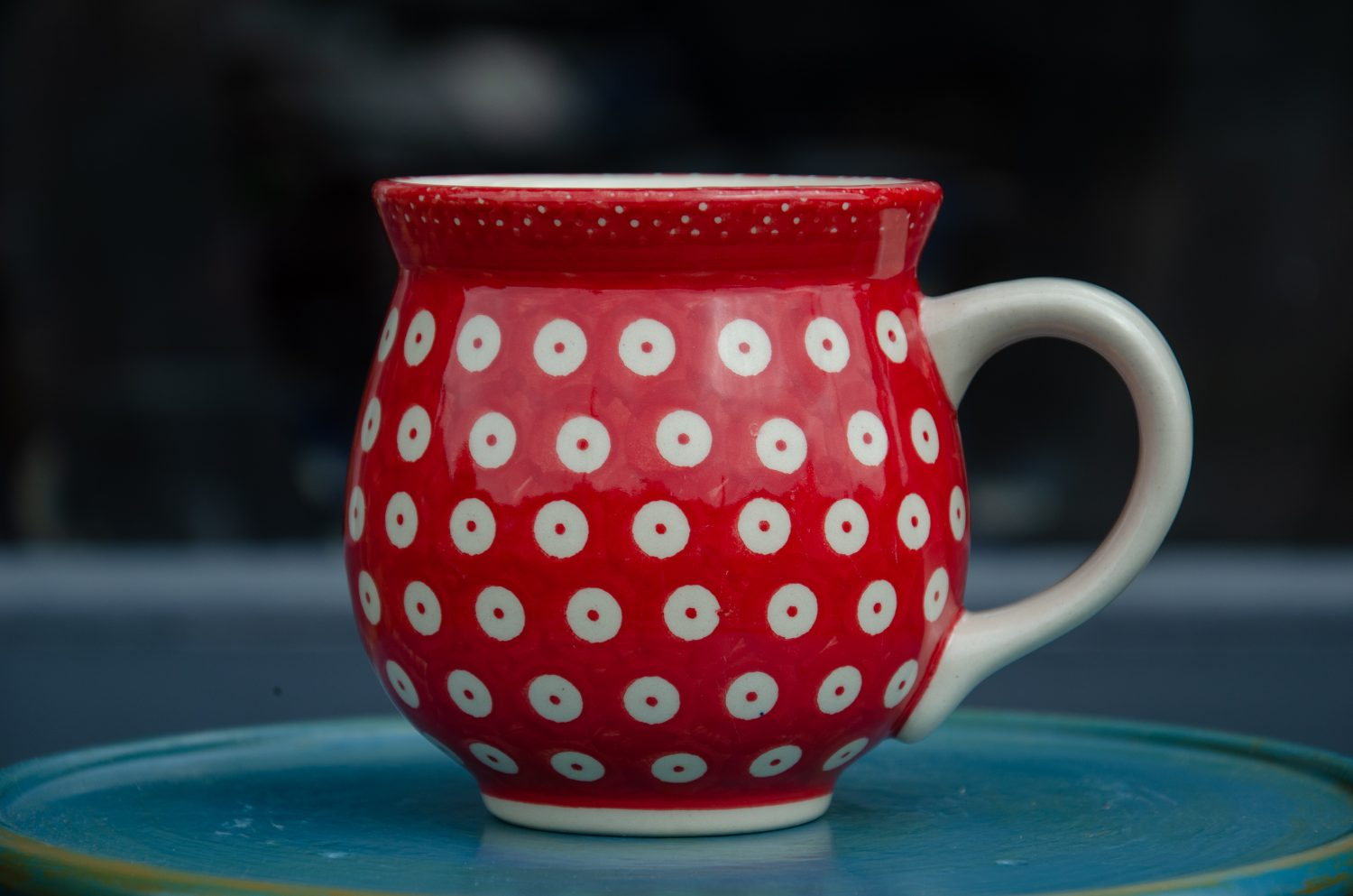 Large Round Mug decorated in Red Spot design
