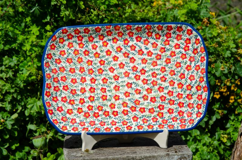 Ditzy Red Serving Plate Unikat Pattern from Polkadot Lane UK.