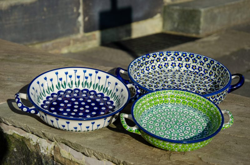 Round Dishes With Handles