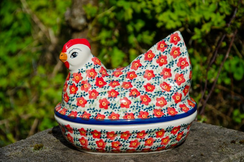 Ditzy Red Small Hen Egg Container