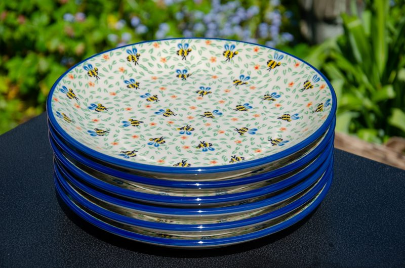 Bee Pattern Dinner Plates Set from Polkadot Lane UK