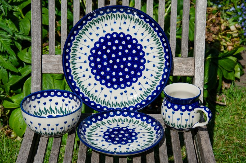 Flower Spot Dinner Set from Polkadot Lane Polish Pottery