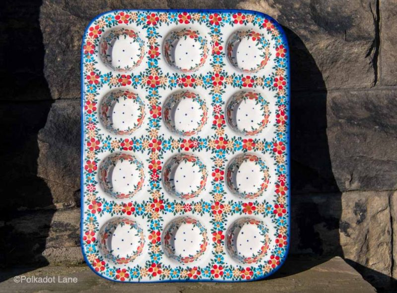 Red Daisy Yorkshire pudding Dish by Ceramika Andy