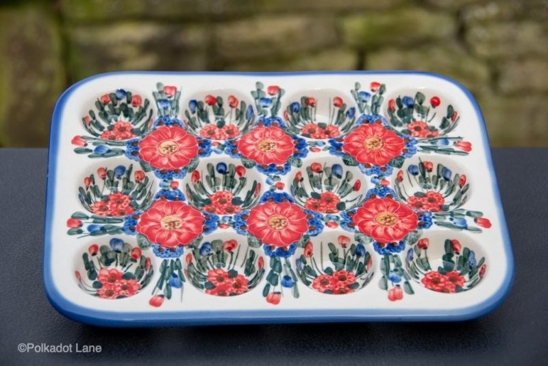 Red Flower Garden Yorkshire pudding Dish Unikat from Polkadot lane UK